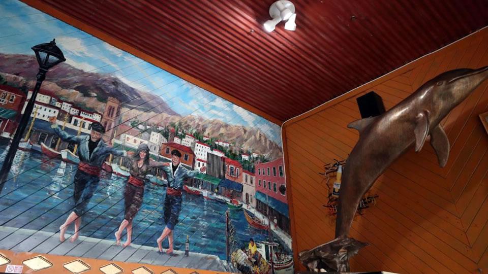 Kritikos wall mural